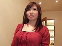 自宅で知らない男に中出しセックスをせがむ美人人妻 Part.2
