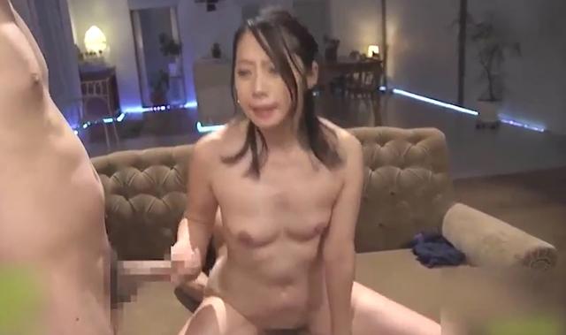 主婦の他人棒に汚されたい願望叶えます 秋山美咲