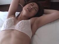 正統派の美貌をもつ高倉梨奈が熟女らしい妖艶なセックスを見せてくれます