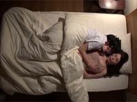 セックスご無沙汰な人妻はマセガキに執拗に触られ求愛を受け入れたくさんエッチしました