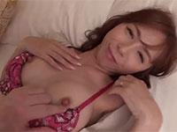 硬いチンポが大好物の淫乱熟女妻とセックス